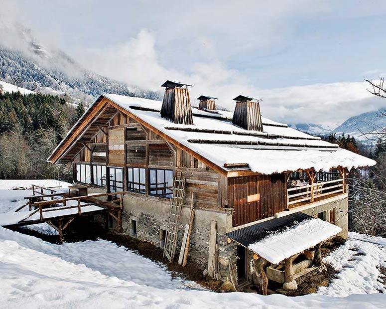 Franzosische Alpen Holzhaus1  Holzhaus in den Französischen Alpen Franzosische Alpen Holzhaus11