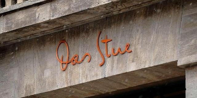 """""""Das Stue ist ein Ort, der Qualität, Herkunft und zeitgenössisches Design miteinander verbindet. Hat ein intimes Gefühl, wie ein luxuriöser Salon von Freunden.""""  Das luxuriöse Boutique Hotel Stue in Berlin Das Stue Designhotel Berlin Luxus und trendige Pl  tze Wohn DesignTrend 00 e1363713096130"""