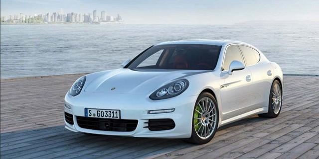 """""""Der Porsche Panamera S Hybrid avanciert zum schnellsten Auto mit kombiniertem Antrieb. Zugleich schafft der Sportwagen einen Bestwert im eigenen Haus.""""  Luxusleben: 2014 Neuer Porsche Panamera S E-Hybrid Luxusleben 2014 Neuer Porsche Panamera S Hybrid Mode und Lifestyle Wohn DesignTrend 01 e1365065432879"""