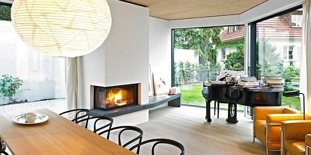 """""""Den Architekten Bottega + Ehrhardt gelang es, auf einem 300m² Grundstück in Stuttgart ein komfortables Wohnhaus mit 200m² Wohnfläche zu schaffen.""""  Familienhaus auf kleinem Grund von Bottega + Ehrhardt Wohn DesignTrend Familienhaus auf kleinem Grund von Bottega Ehrhardt 02 e1373443754764"""