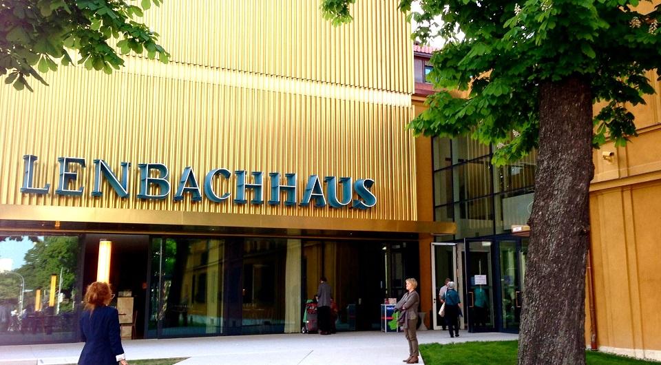 Ella Restaurant mit Sonnenterrassen im Lenbachhaus Ella Restaurant mit Sonnenterrassen im Lenbachhaus slide
