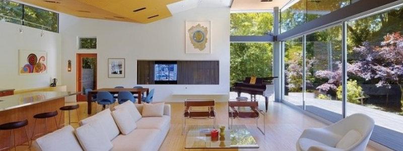 Moderne und praktische Fenstergestaltung wohnzimmer deckengestaltung ideen offen einbauleuchten dielenholz wohndesign trend