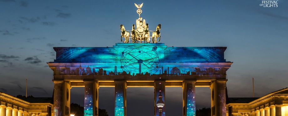 """Habt Ihr eigene """"Festival of Lights"""" zu Hause festival of lights Habt Ihr eigene """"Festival of Lights"""" zu Hause 2015 01 Brandenburger Tor FH"""