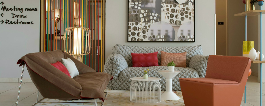 Entdecken Sie die besten Hotel Interior Design Projekte von Joi Design!